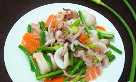 Tham khảo 2 món ăn từ ngồng tỏi thơm ngon cho cả nhà bữa tối