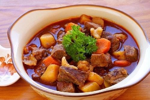khoai tây hầm thị bò