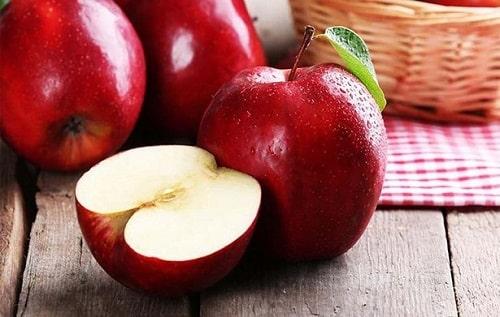 Cách chọn mua táo ngon