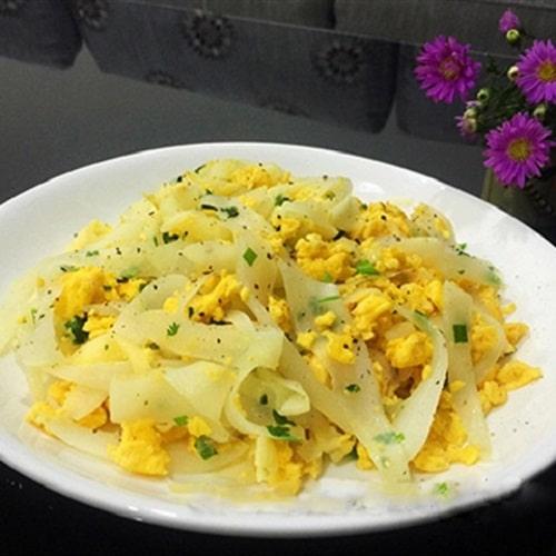 Củ cải trắng xào trứng
